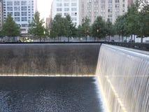 在的世界贸易中心的纪念品爆心投影纽约 库存照片