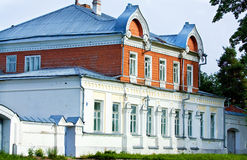 在的俄国样式建立的旧时庄园 库存照片