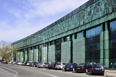 在的华沙,波兰-华沙大学图书馆主楼 图库摄影