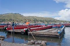 在的喀喀湖,玻利维亚的轮渡服务 免版税库存照片