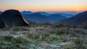 在的帐篷山的上面 建造者 免版税图库摄影