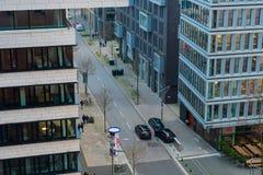 在的江边和爱好音乐的汉堡附近的企业处所 图库摄影