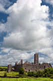 在的老古老爱尔兰人废墟在爱尔兰西边 免版税图库摄影