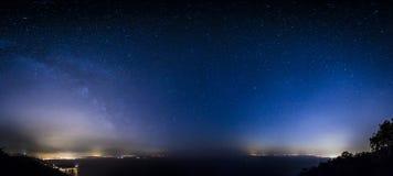 在的里雅斯特海湾的星  免版税库存照片