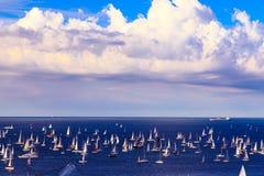 在的里雅斯特海湾的Barcolana赛船会  免版税库存图片