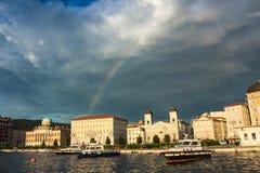 在的里雅斯特船坞的彩虹  库存图片
