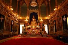 在皇家教堂里面的菩萨 库存图片