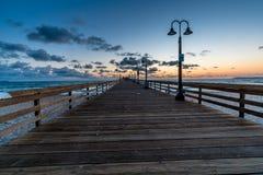 在皇家海滩,加州的日落 免版税库存照片