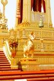 在皇家火葬场附近的大象和蛇补充结构在2017年11月的04日泰国 免版税库存图片