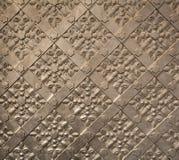 在皇家Wawel城堡的古色古香的铁门纹理 免版税库存图片