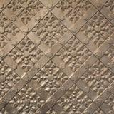 在皇家Wawel城堡,克拉科夫的老铁门纹理 波兰 免版税库存照片