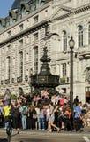 在皮卡迪利广场的人群,伦敦 免版税库存照片