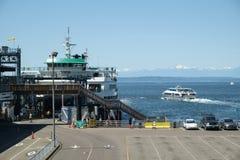 在皮吉特湾的轮渡 免版税库存照片