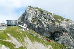 在皮拉图斯峰附近山顶的Pilatus Kulm驻地  免版税图库摄影