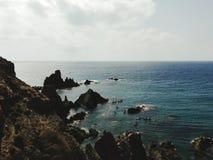 在皮船在地中海 免版税库存照片