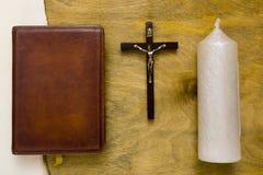 在皮革一定的宽容圣经 免版税库存图片