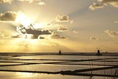 在盐场季度的日落 免版税库存图片
