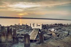 在盐湖,出海口的日落 免版税库存照片