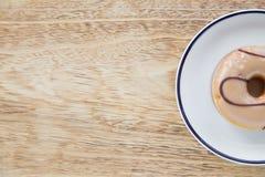 在盘的油炸圈饼 图库摄影