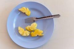 在盘的菠萝 库存图片