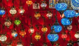 在盛大义卖市场,伊斯坦布尔的土耳其灯笼 免版税库存图片
