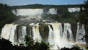 在盛大伊瓜苏瀑布系统的全视图在巴西 股票视频