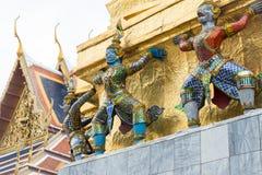 在盛大宫殿的雕塑 图库摄影