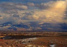 在盛大Mesa的午间云彩 库存图片