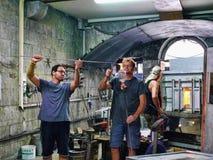 在直布罗陀的岩石的玻璃制造业做被出口全世界的艺术玻璃 免版税库存图片