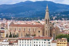 在看法大教堂三塔Croce上在佛罗伦萨镇 图库摄影