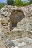 在看法里面Diocletianopolis, Hisarya,保加利亚镇古老热量浴  免版税库存图片
