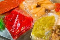 在真空包装的袋子保存的菜保留propertie 免版税库存照片