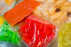 在真空包装的袋子保存的菜 免版税库存照片