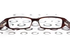 在眼睛测试的玻璃 免版税库存照片