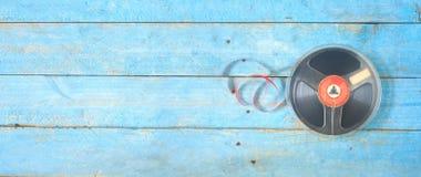 在短管轴的葡萄酒开盘式的磁带,全景 库存照片