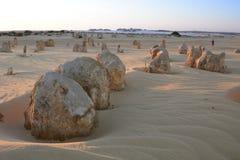 在石峰沙漠的日落时间 Nambung国家公园 西万提斯 澳大利亚西部 澳洲 库存照片