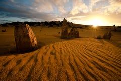在石峰的日落 免版税库存图片