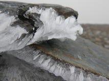 在石头的冰 库存图片