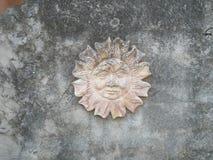 在石头的太阳 免版税图库摄影