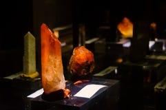 在石榴石小组的未加工的橙色Spessartine 免版税库存图片
