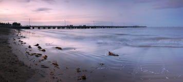 在码头日落的退色的光 免版税图库摄影