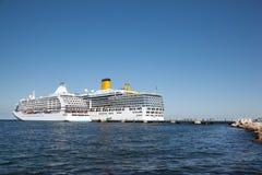 在码头的二艘船 免版税库存照片
