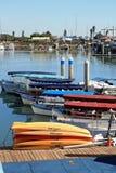 在码头的小船 免版税库存照片