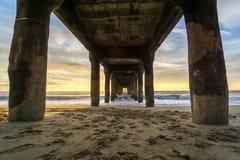 在码头之下的日落 库存图片