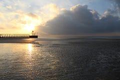 在码头的天堂般的日出 库存照片