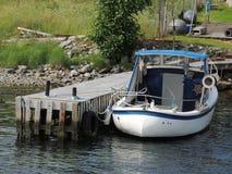 在码头的小船 库存图片