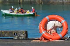 在码头的救生救生圈 免版税库存图片