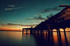 在码头的日落以后 库存图片
