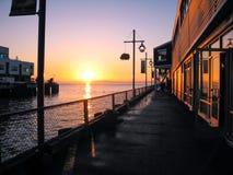 在码头的日落 免版税库存照片