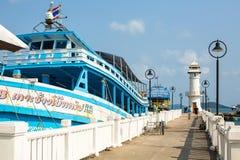 在码头的游船在轰隆鲍渔村 库存图片
